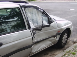 Damaged_car_door