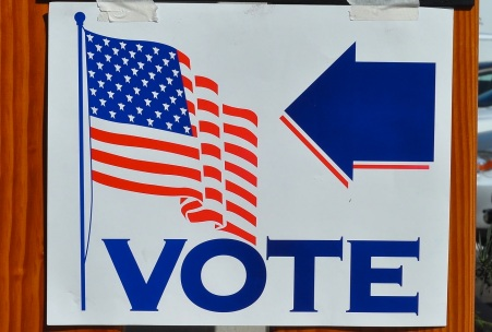 votingsignTomArthur